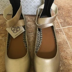 Gold shoes - size 8.5 W